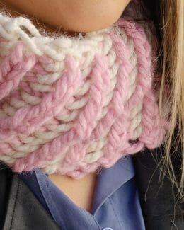 Reversible Diagonal Two-Color Cowl - close-up - Amy Eve Jo